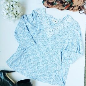 3/$20 Chicos Blue and White Space dyed Tee
